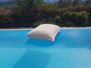 Cuscino galleggiante in tessuto