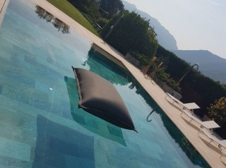 cuscino galleggiante in tessuto Uniko