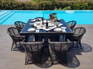 Tavolo da esterno di design Noor