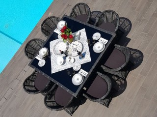 Tavolo di design per esterni