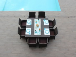 Tavolo da giardino in rattan sintetico