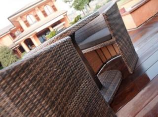 Set da balcone con poltrone