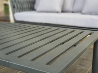 Tavolo basso in alluminio