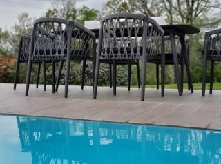 Tavolo per esterno di design in corda