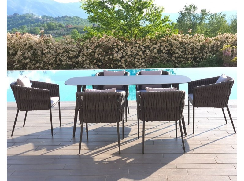 Tavolo per esterno di design