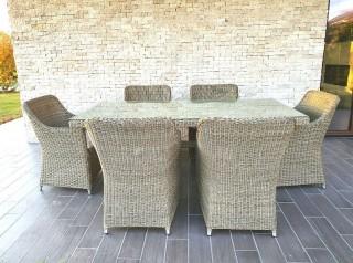 Tavolo per esterno in midollino sintetico